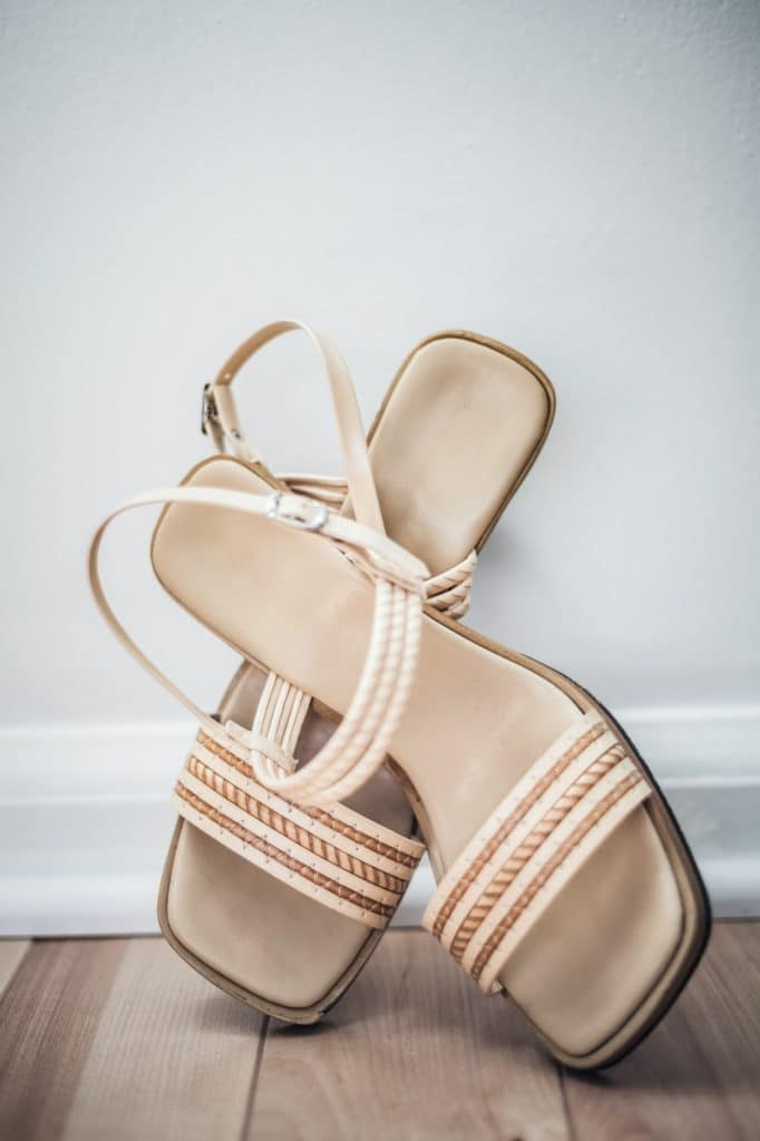 Crossed Beige Flat Woman Shoes with Strap
